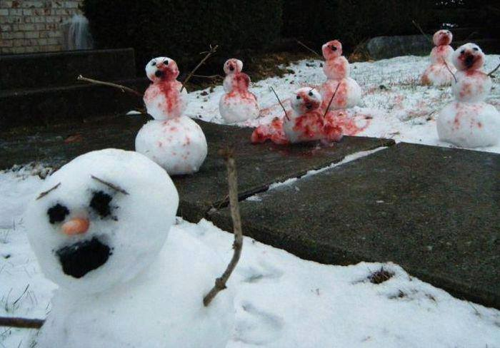 Babbo Natale è morto. E anche i pupazzi di neve non stanno troppo bene. | Santa is dead. And even the snowmen aren't too good.