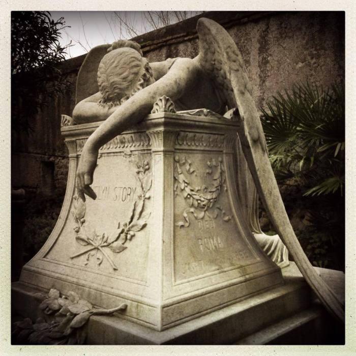 Cimitero Acattolico di Roma, L'angelo del dolore.