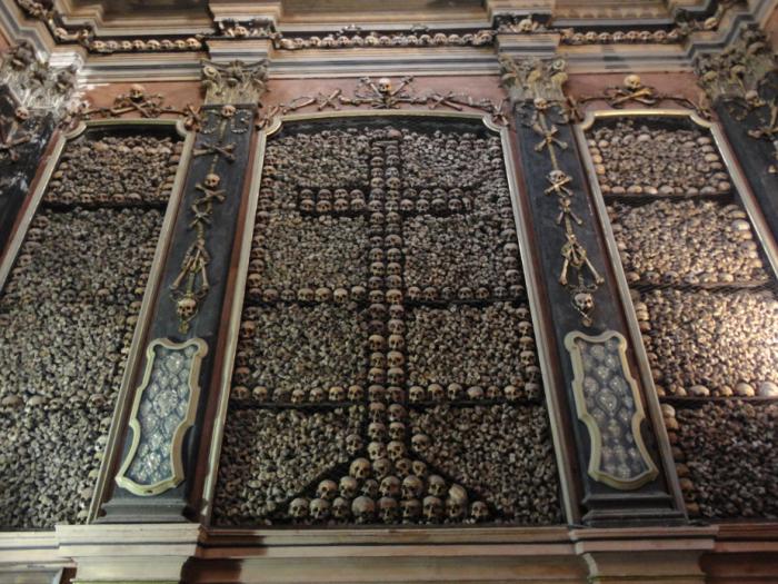 San-Bernardino-alle-ossa-interno