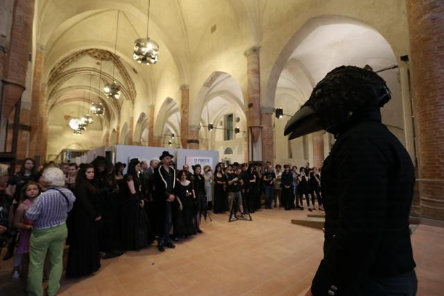 Camere Oscure Cuneo : Banchetto funebre per 13 u2013 la performance u2013 ph. a. cucchietti