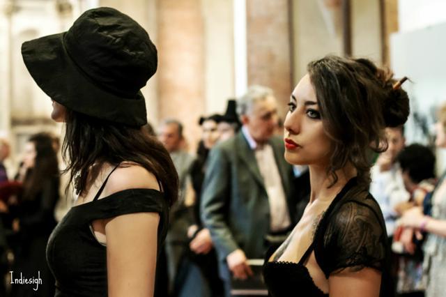 Camere Oscure Cuneo : Banchetto funebre per 13 u2013 la performance u2013 ph. isabella indiesigh