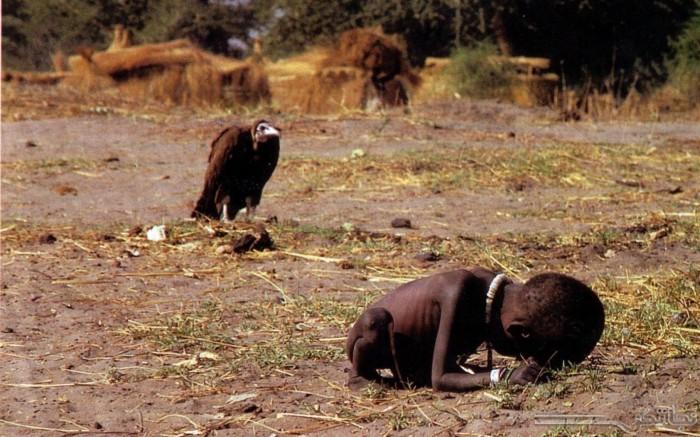 Kevin-Carter-avvoltoio-bambina