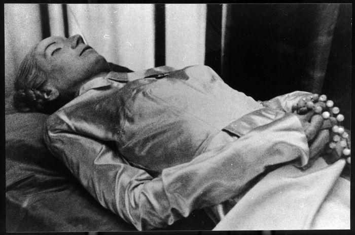Eva_Perón_mummia