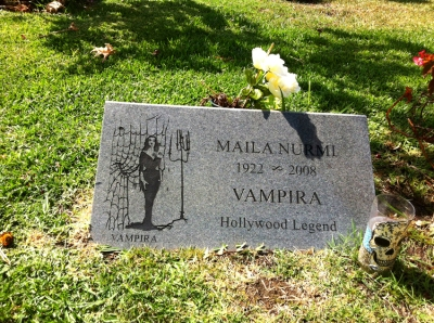 Hollywood_forever_Vampira